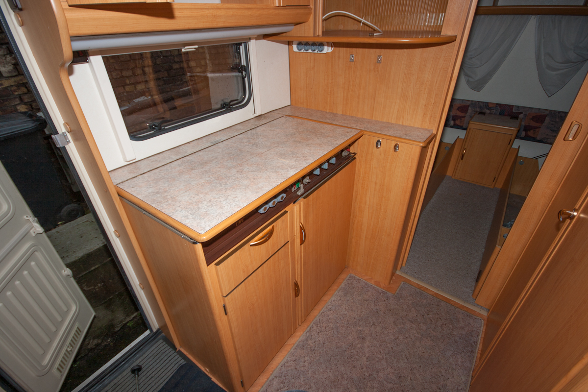 lmc 495 wird aufgeh bscht einbauberichte von zubeh r restaurierungen reparaturen. Black Bedroom Furniture Sets. Home Design Ideas